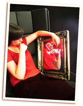 ANTIQUE STYLE NEON MIRROR 450X560mm �600