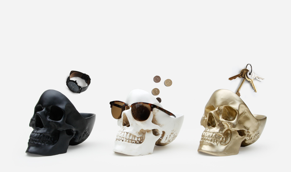 Black, white and gold skull tidies