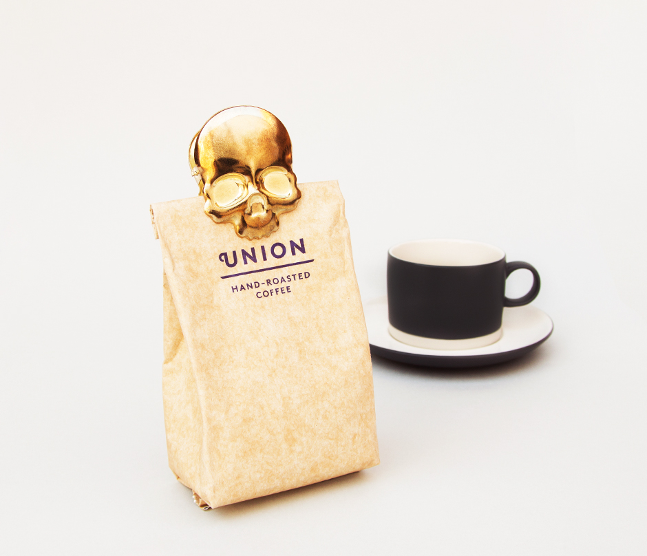 Brass finish skull clip for sealing coffee
