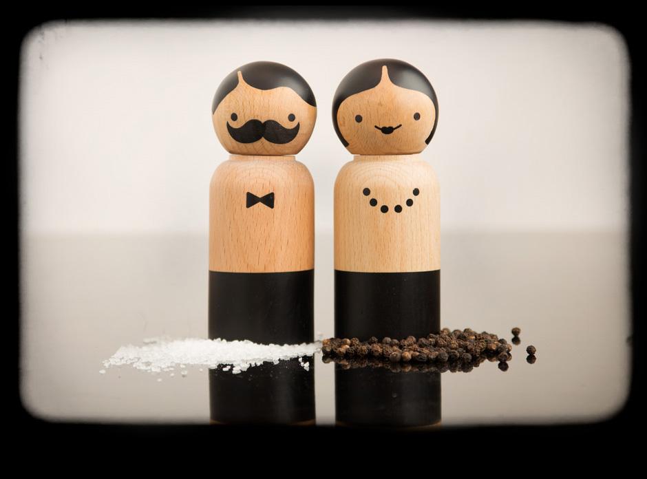 Mr Salt Amp Mrs Pepper Smartly Dressed Wooden Grinders