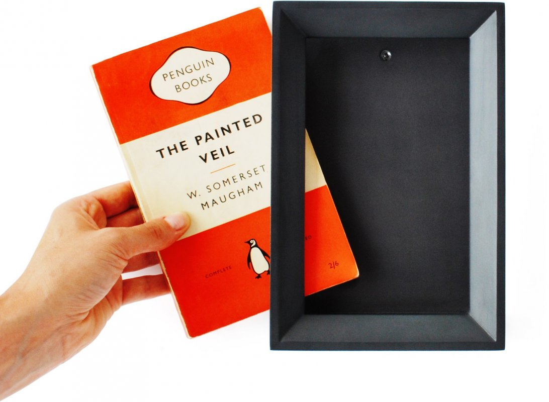 Picture Book : A frame for your paperback books.