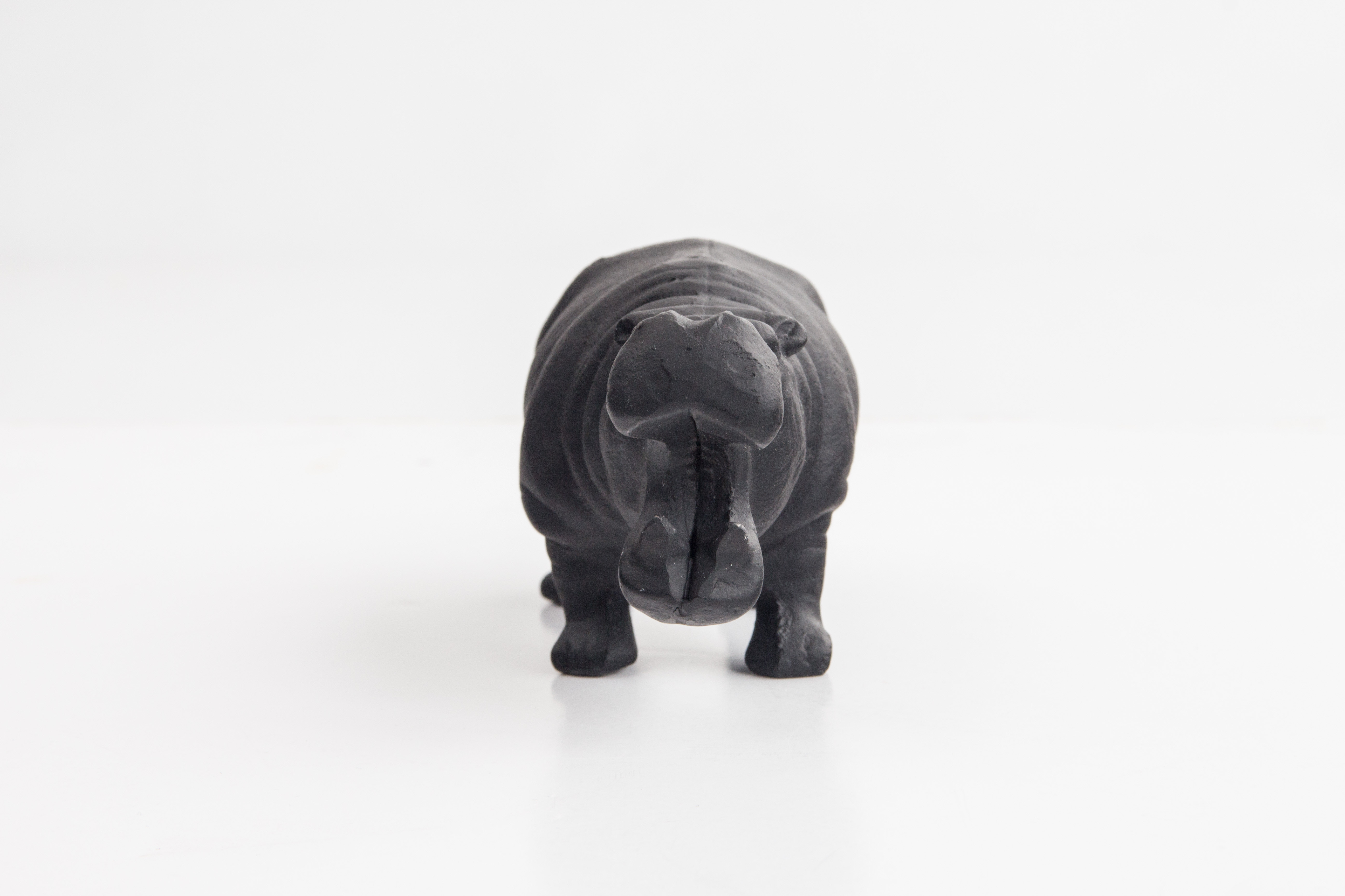 Hippo Bottle Opener Content Gallery : A bottle opener with serious bite.