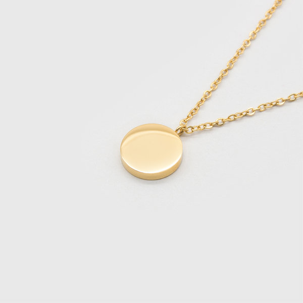 Kuku gold circle necklace