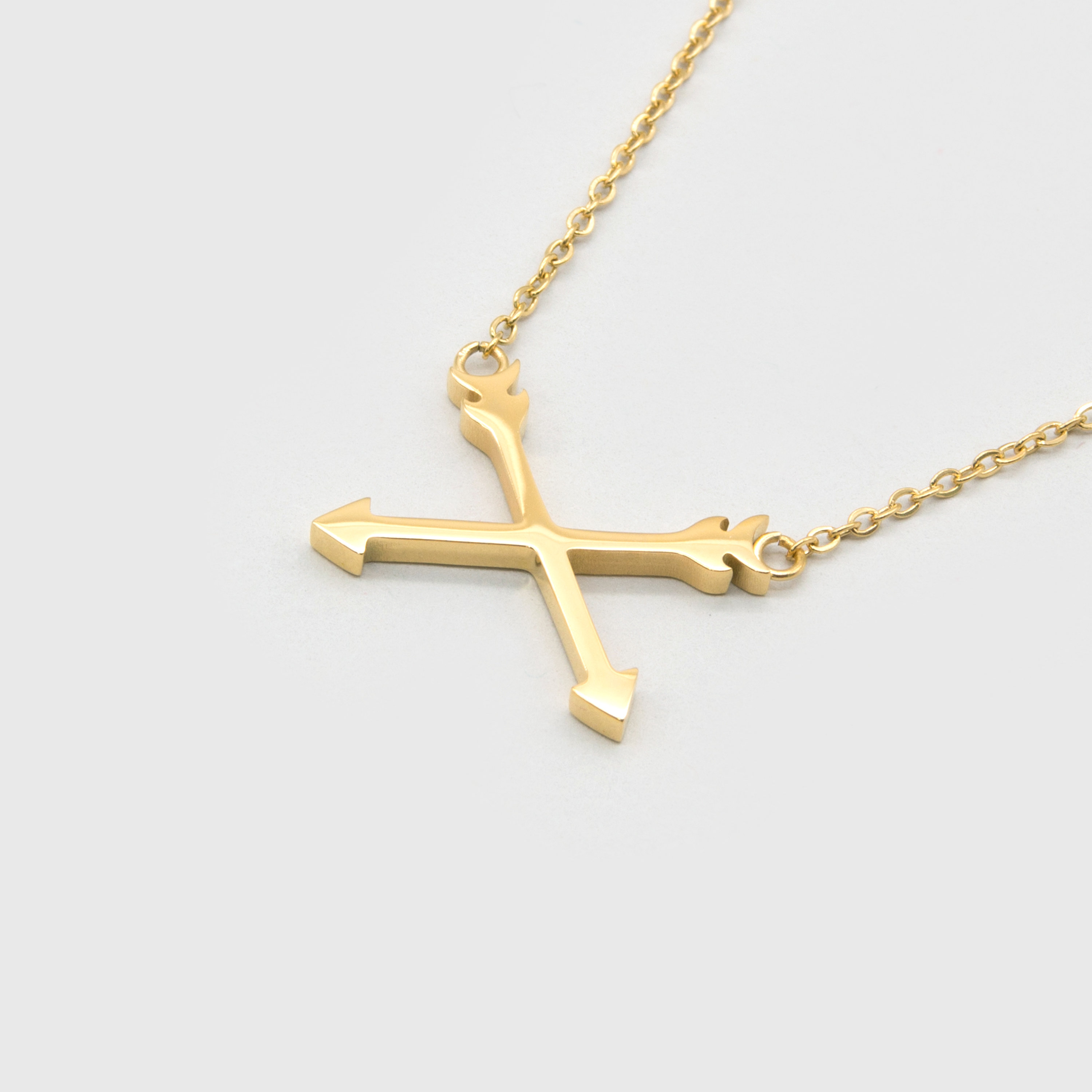 Kuku gold arrow necklace