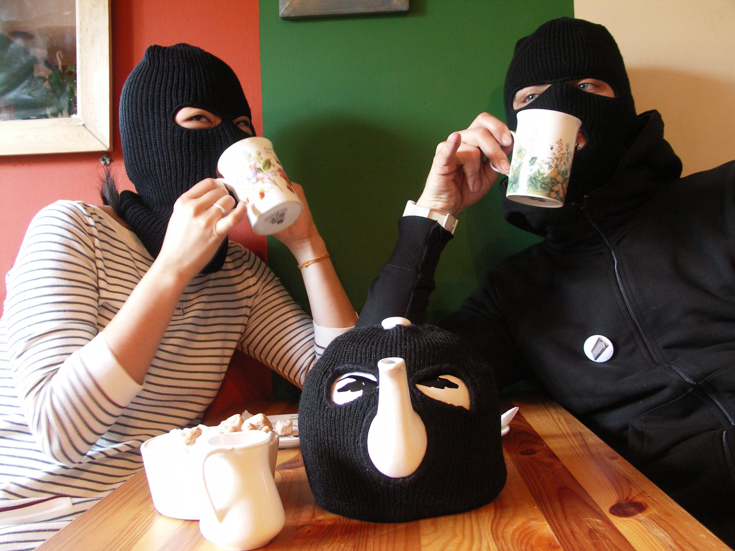Секс с грабителем в маске 14 фотография