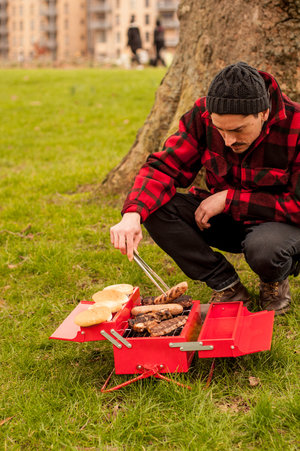BBQ made from a toolbox