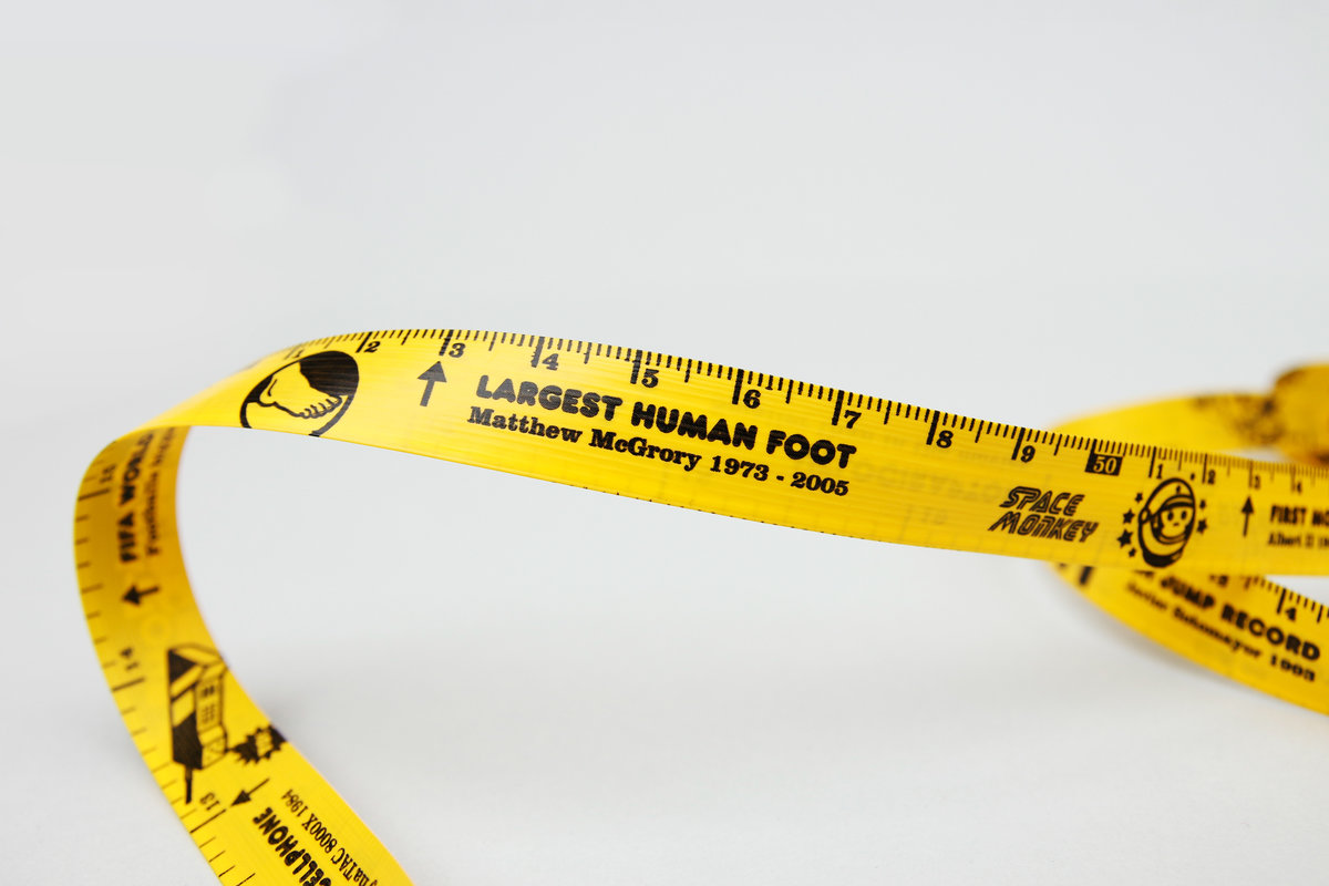 3m of Facts : 10ft Tape measure filled with fun stats