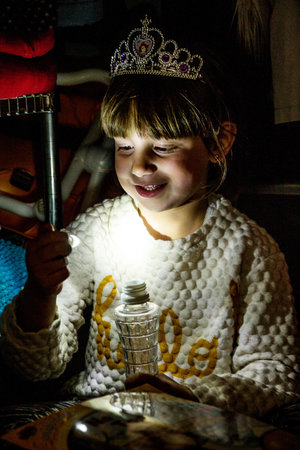 Illuminate any evening with DIY lights that turn bottle into lamps