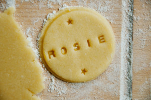 cookie stamp that can be adapted to different names