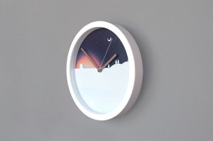 Simple day and night wall hung clock for home and office