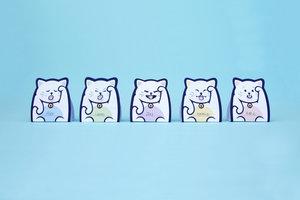 3D lucky cat paper memo notes standing in a line