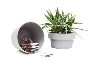 plant pot hideaway to keep your desk and home tidy